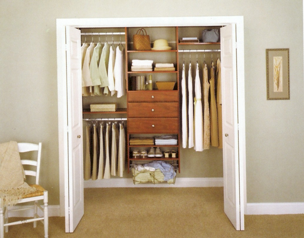 Organizing A Small Closet With Sliding Doors1033 X 810