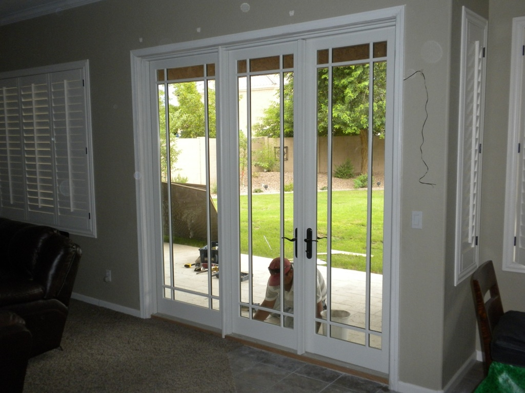 Pella sliding glass doors with screens sliding doors for Pella window screens
