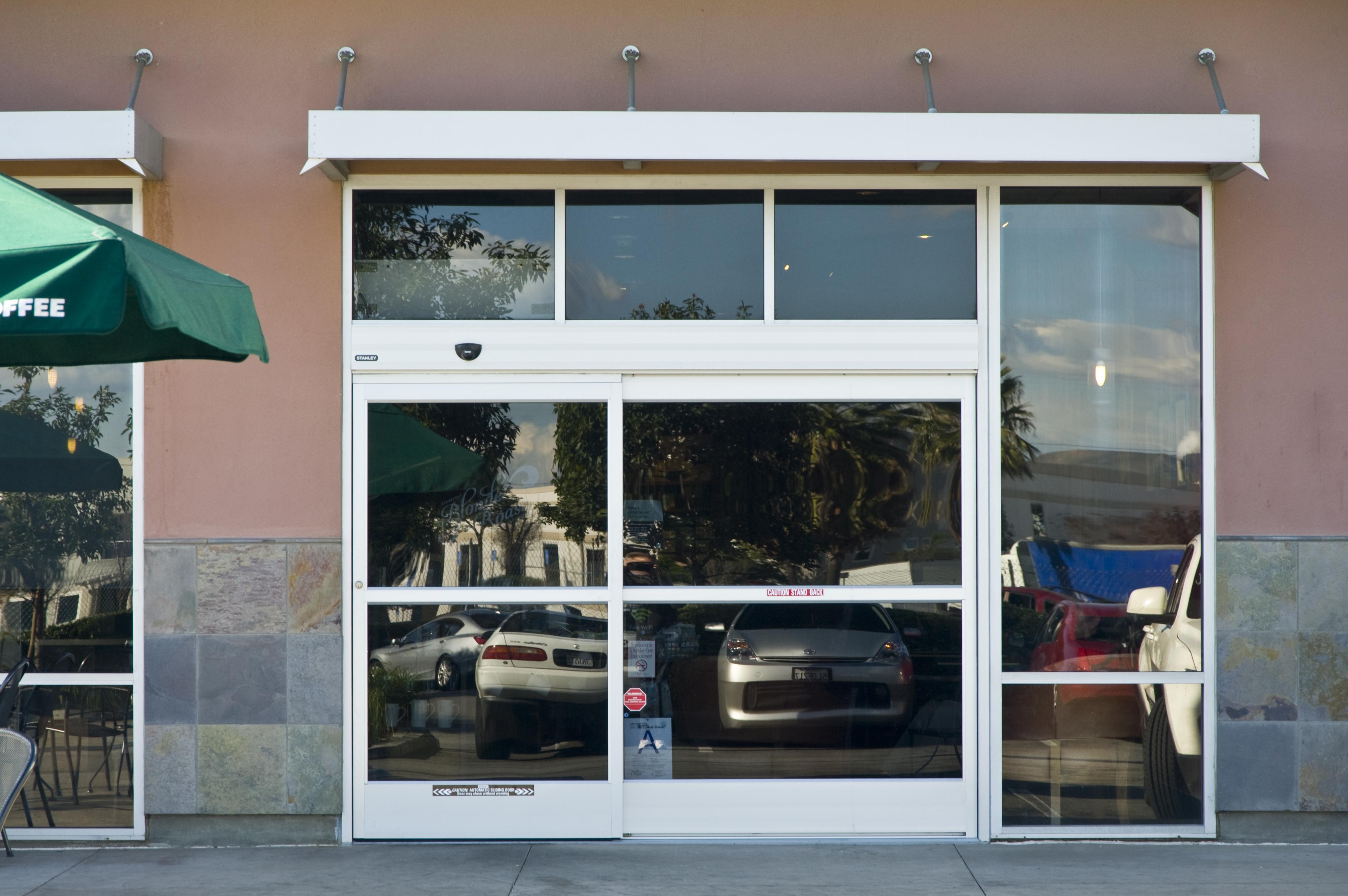 Stanley Automatic Sliding Glass Doors4076 X 2712
