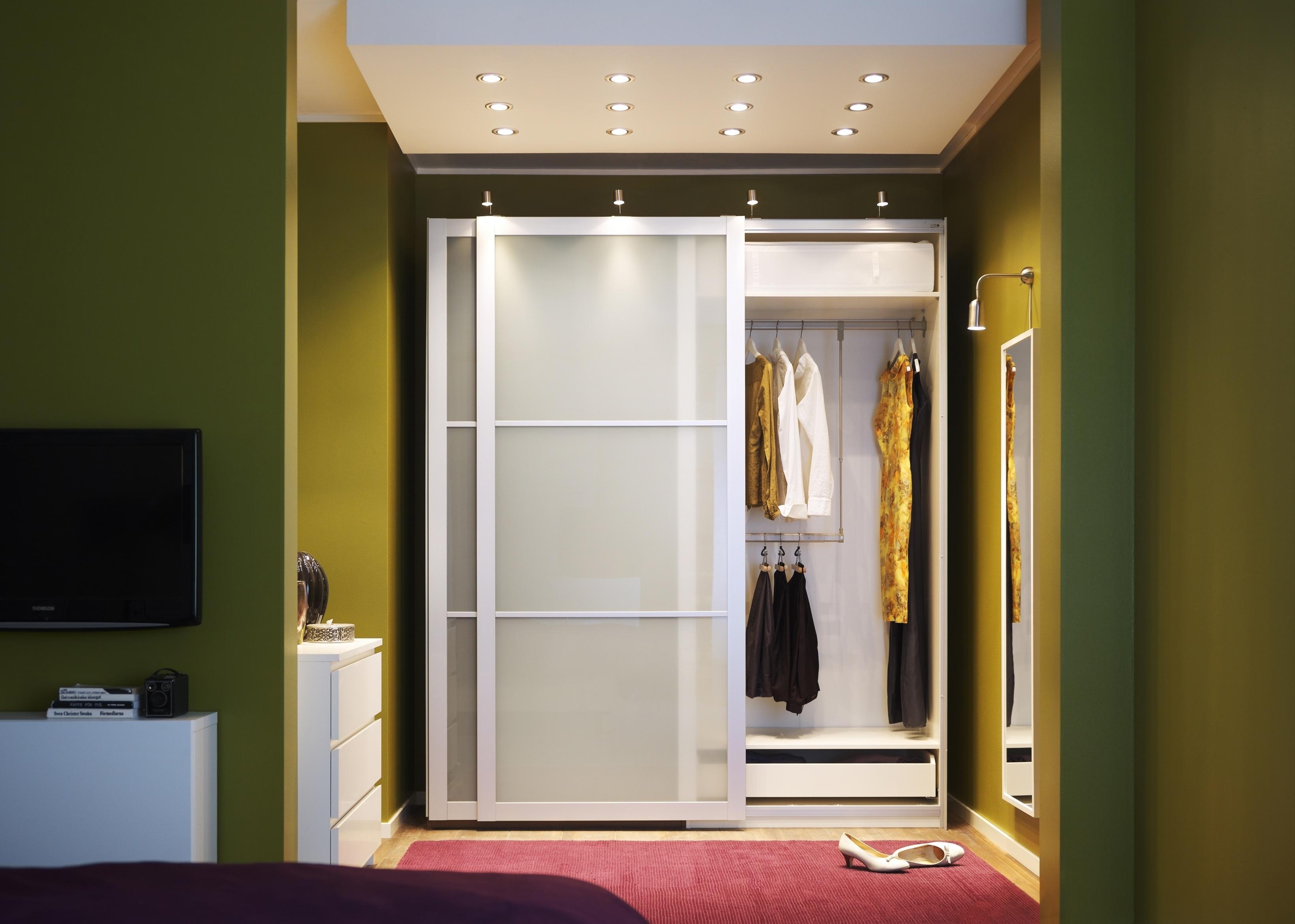 Bedroom Wardrobe Closet With Sliding Doors3280 X 2340
