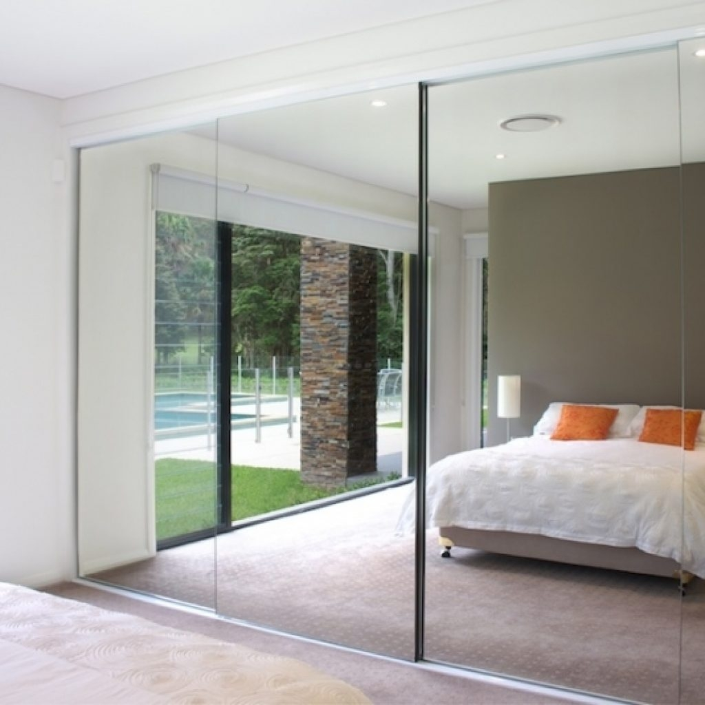 Monarch Sliding Mirror Door Bottom Track1024 X 1024