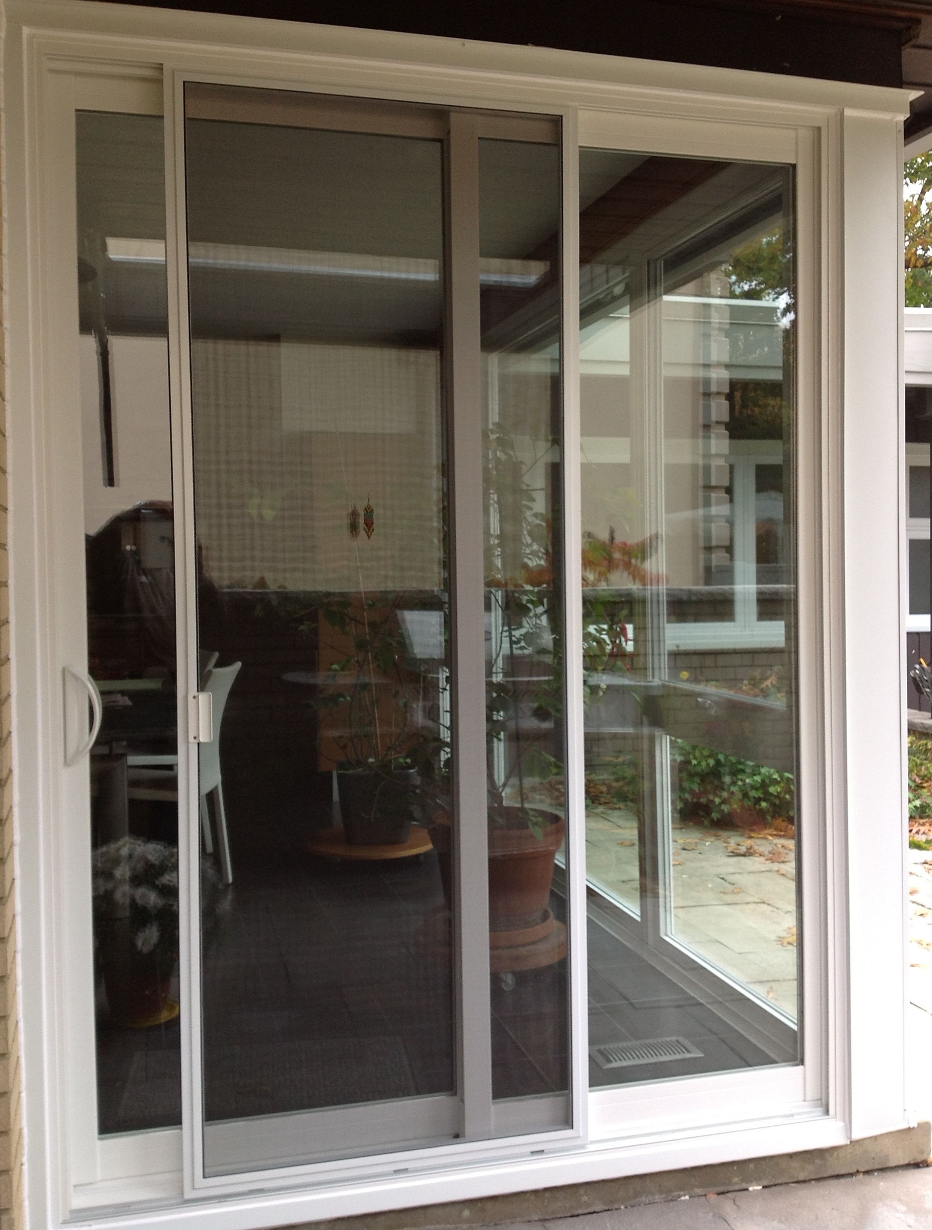 Sliding screen door for apartment balcony sliding doors for Balcony sliding screen door