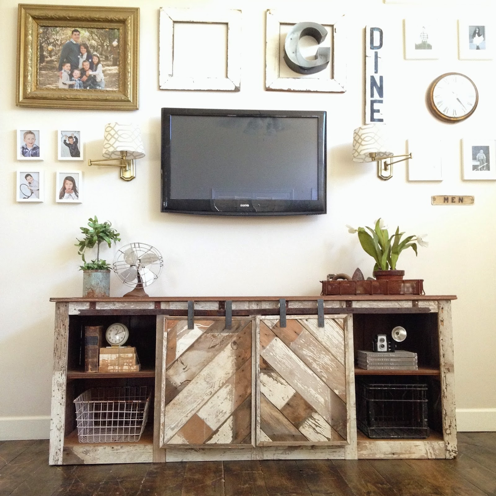 Wood Tv Stand With Sliding DoorsWood Tv Stand With Sliding Doors