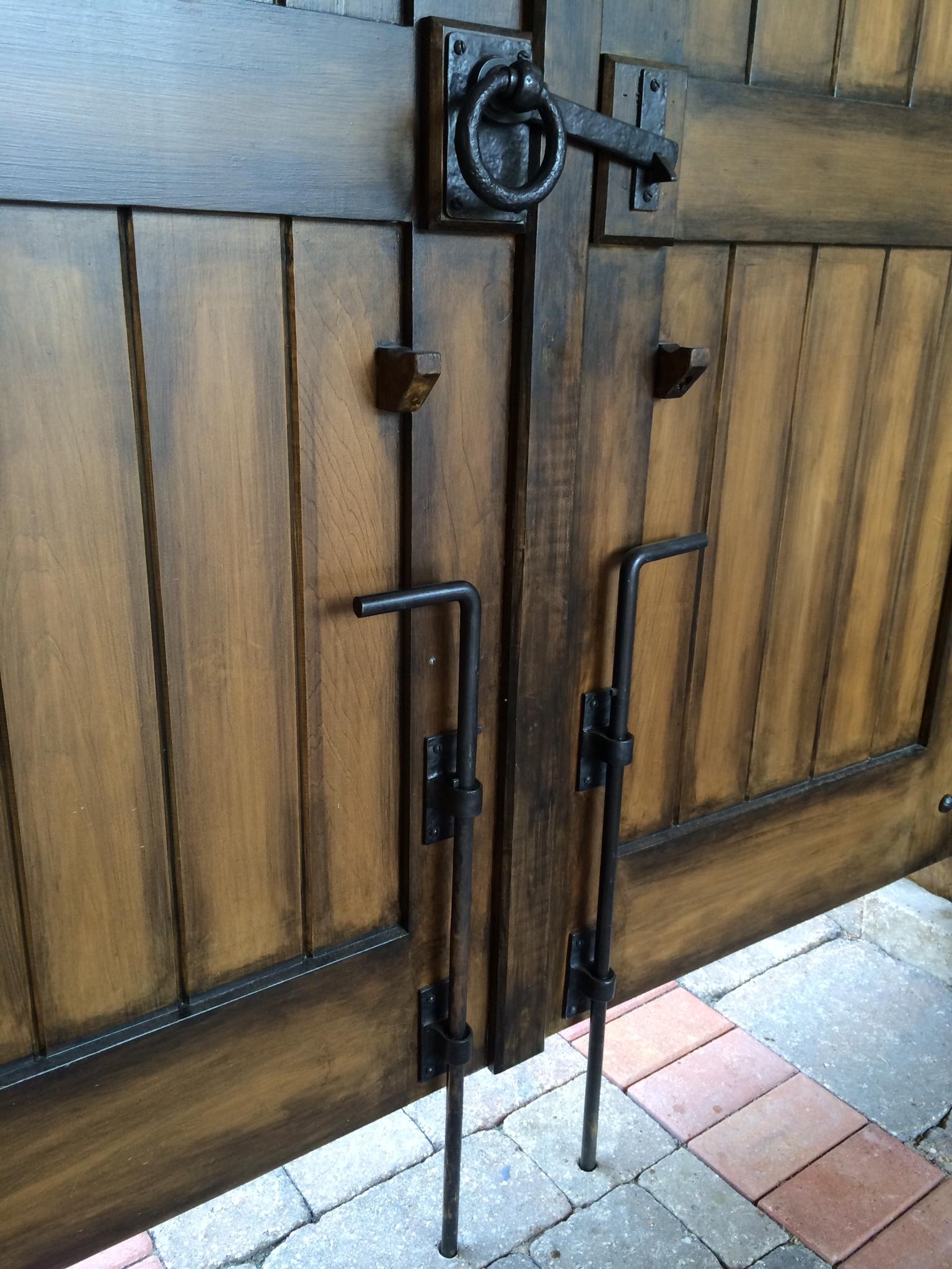Garage Door Slide Bolt Lock1536 X 2048
