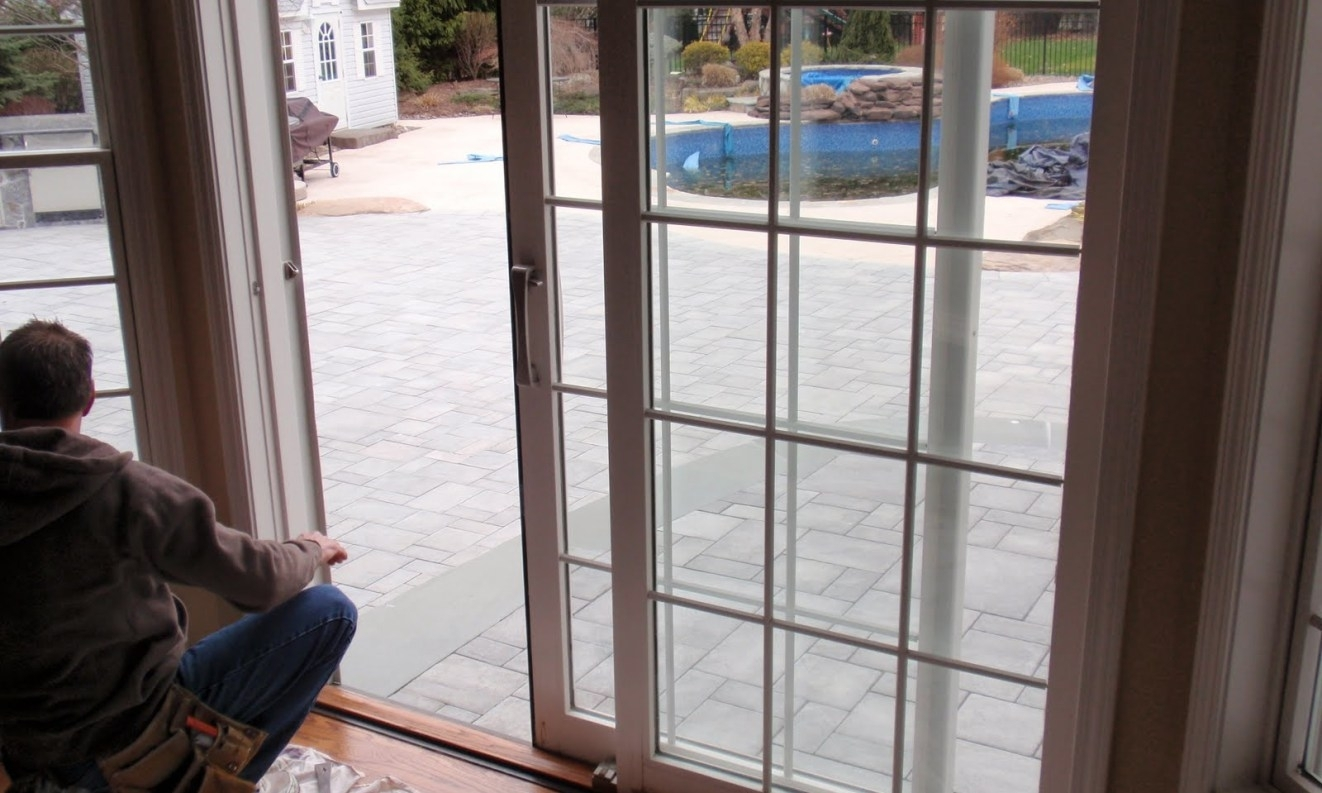 Sliding Glass Screen Door Auto Closes1322 X 793
