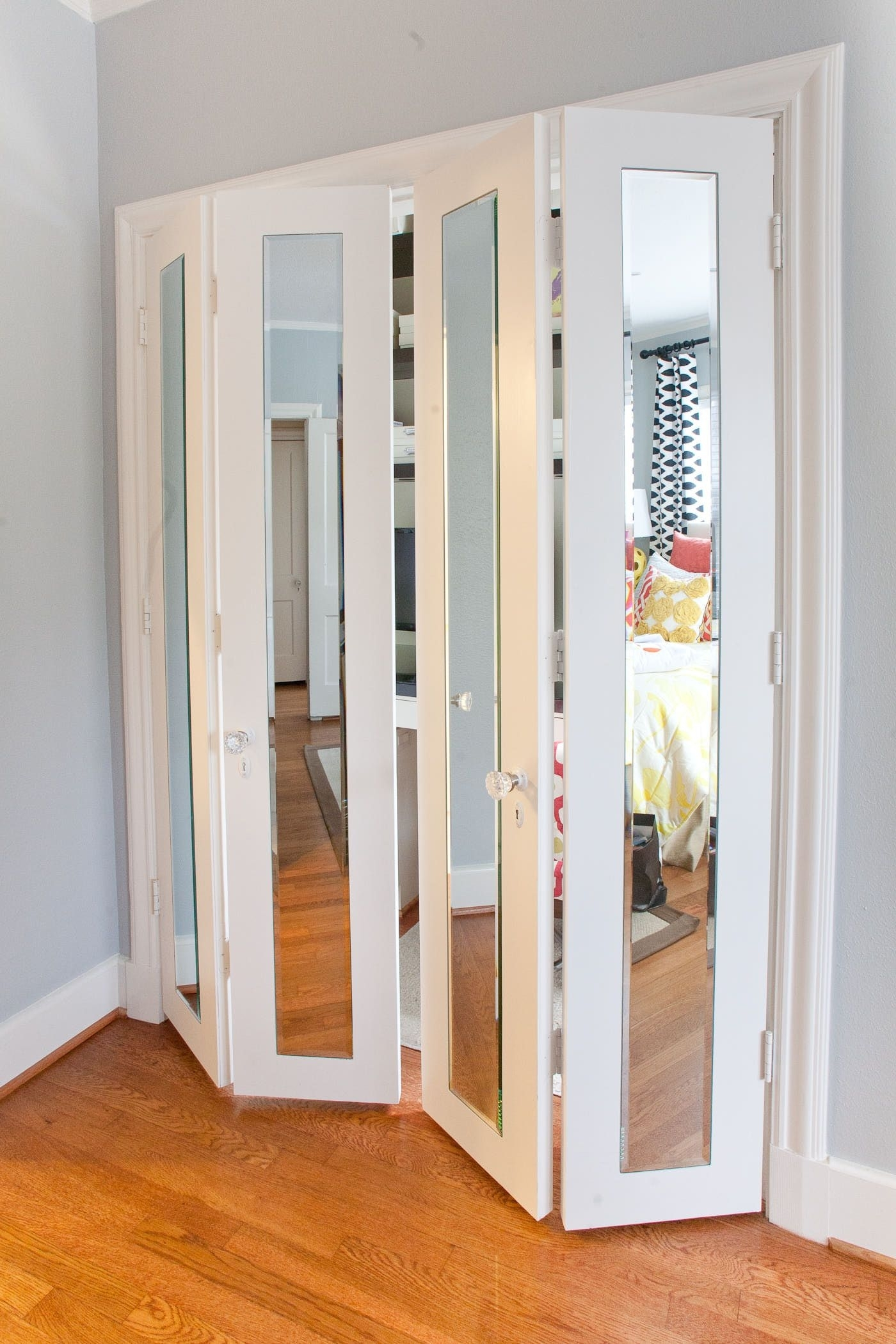 Bi Fold Vs Sliding Closet Doorsbi fold glass closet door closet doors