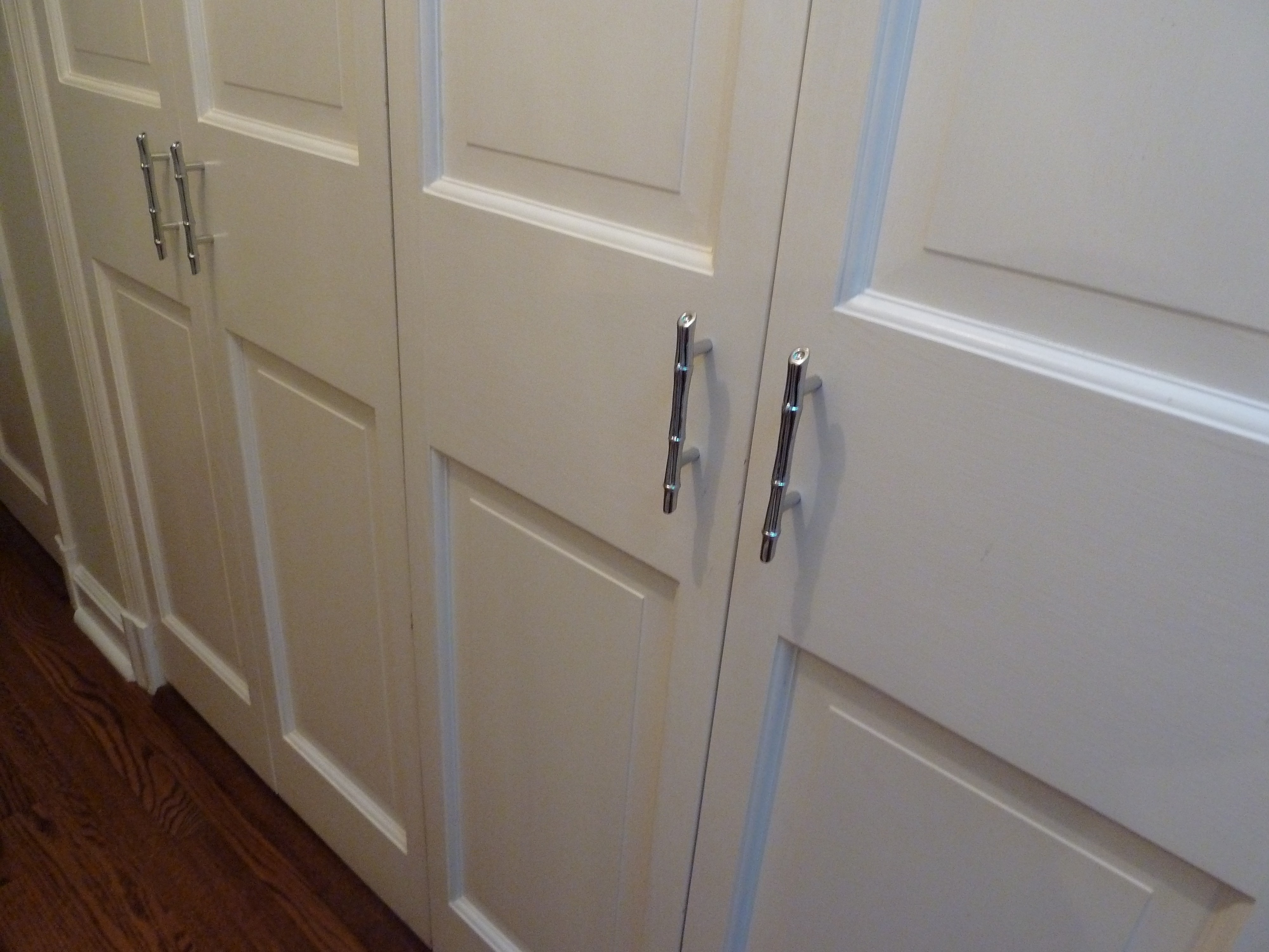 Modern Sliding Closet Door Pulls