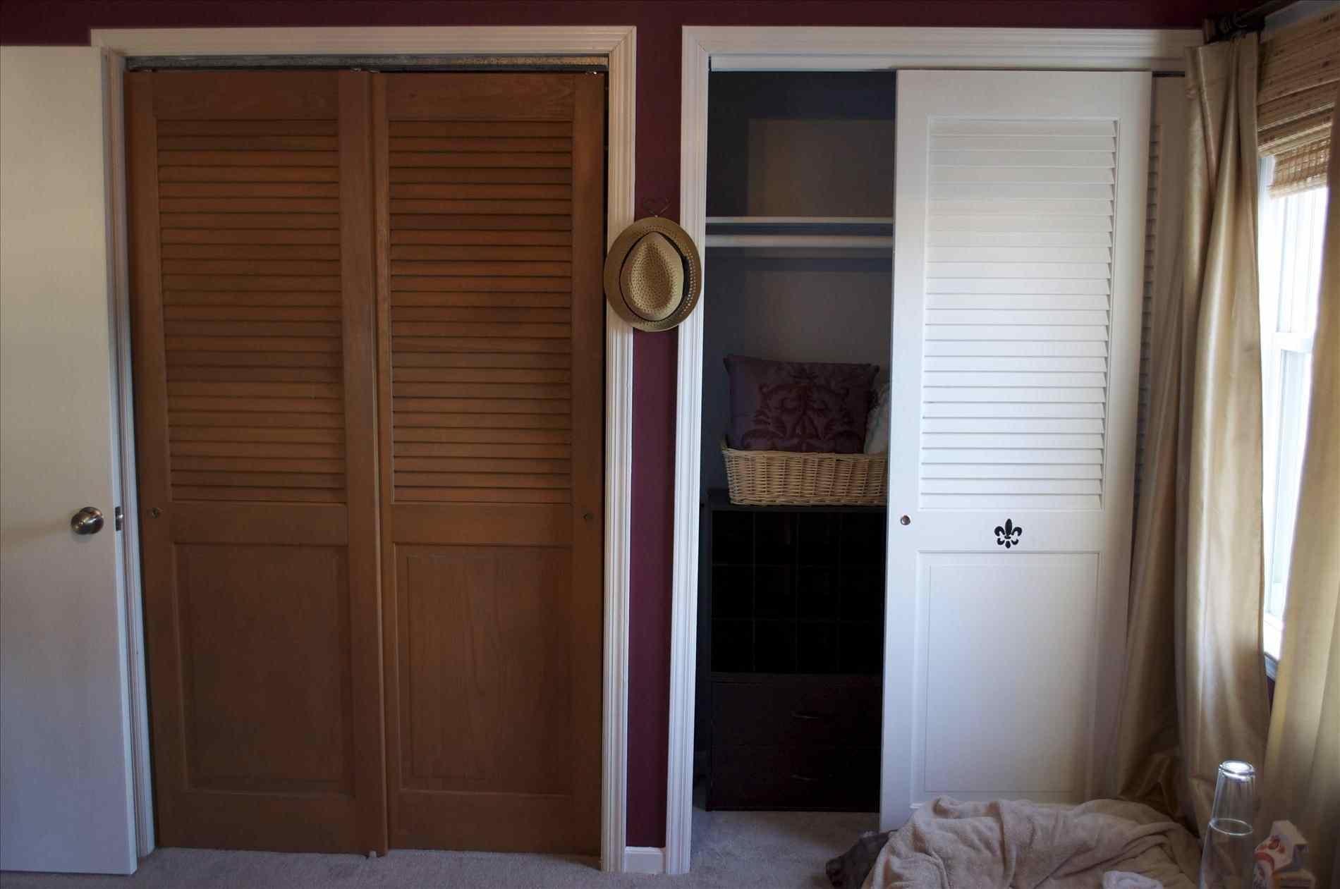 Wood Louvered Sliding Closet Doors1900 X 1261