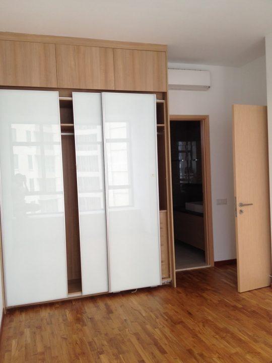 Wardrobe Closet With Sliding Doors